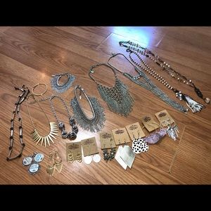 Large Plunder Jewelry Lot